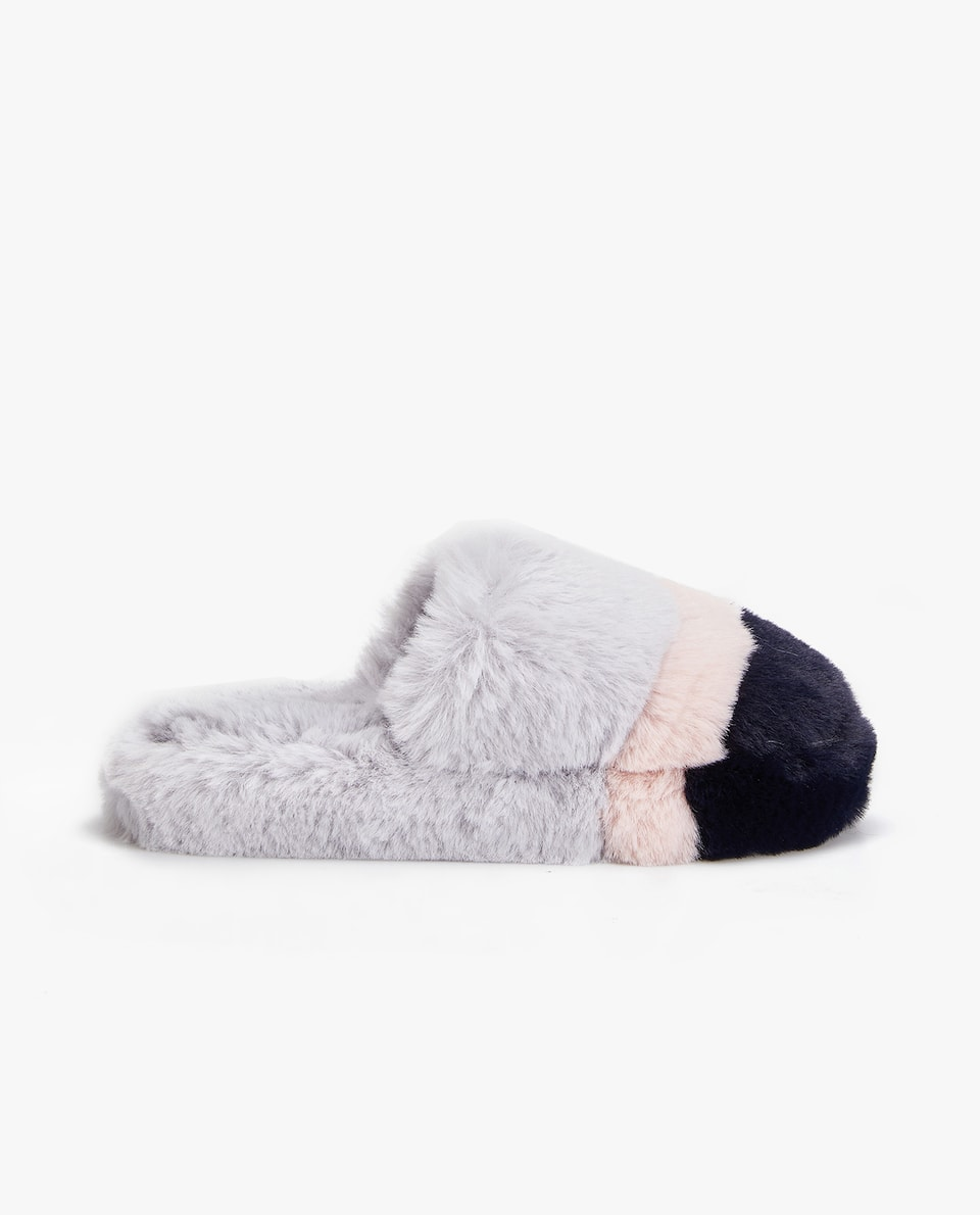 THREE-TONE FURRY SLIPPERS