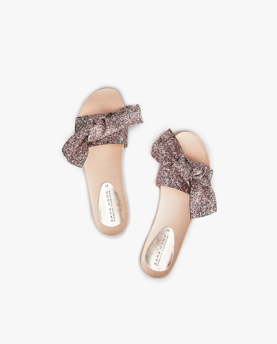 GLITTERY BOW SANDALS