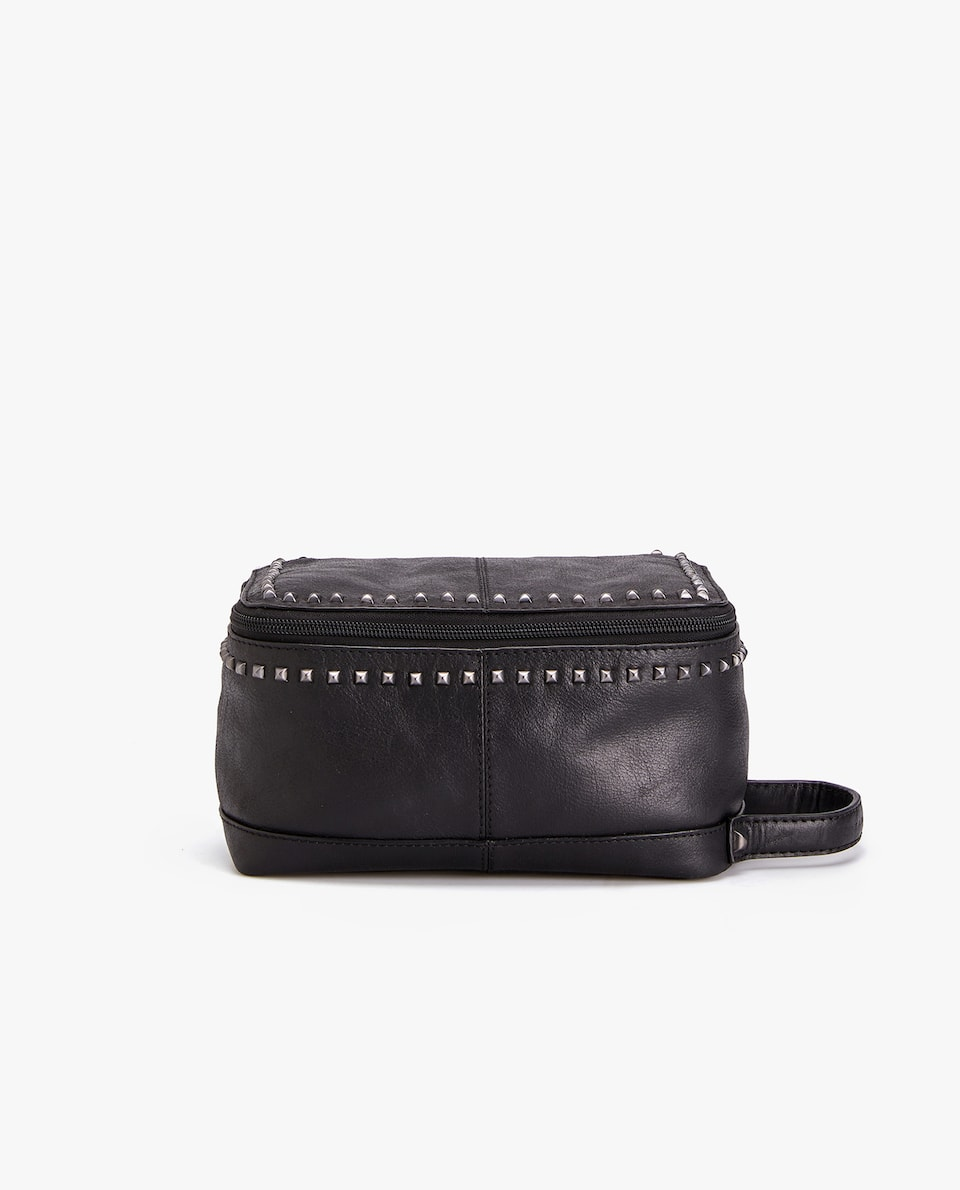 STUDDED LEATHER TOILETRY BAG