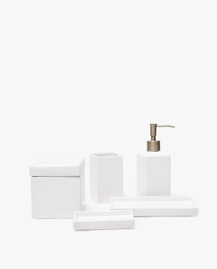 Bathroom accessories Stainless Steel Earthenware Bathroom Set Indiamart Bathroom Accessories Zara Home New Collection