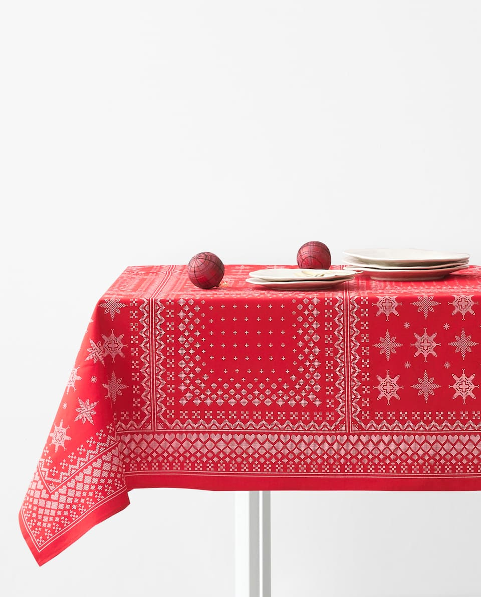 REINDEER TABLECLOTH