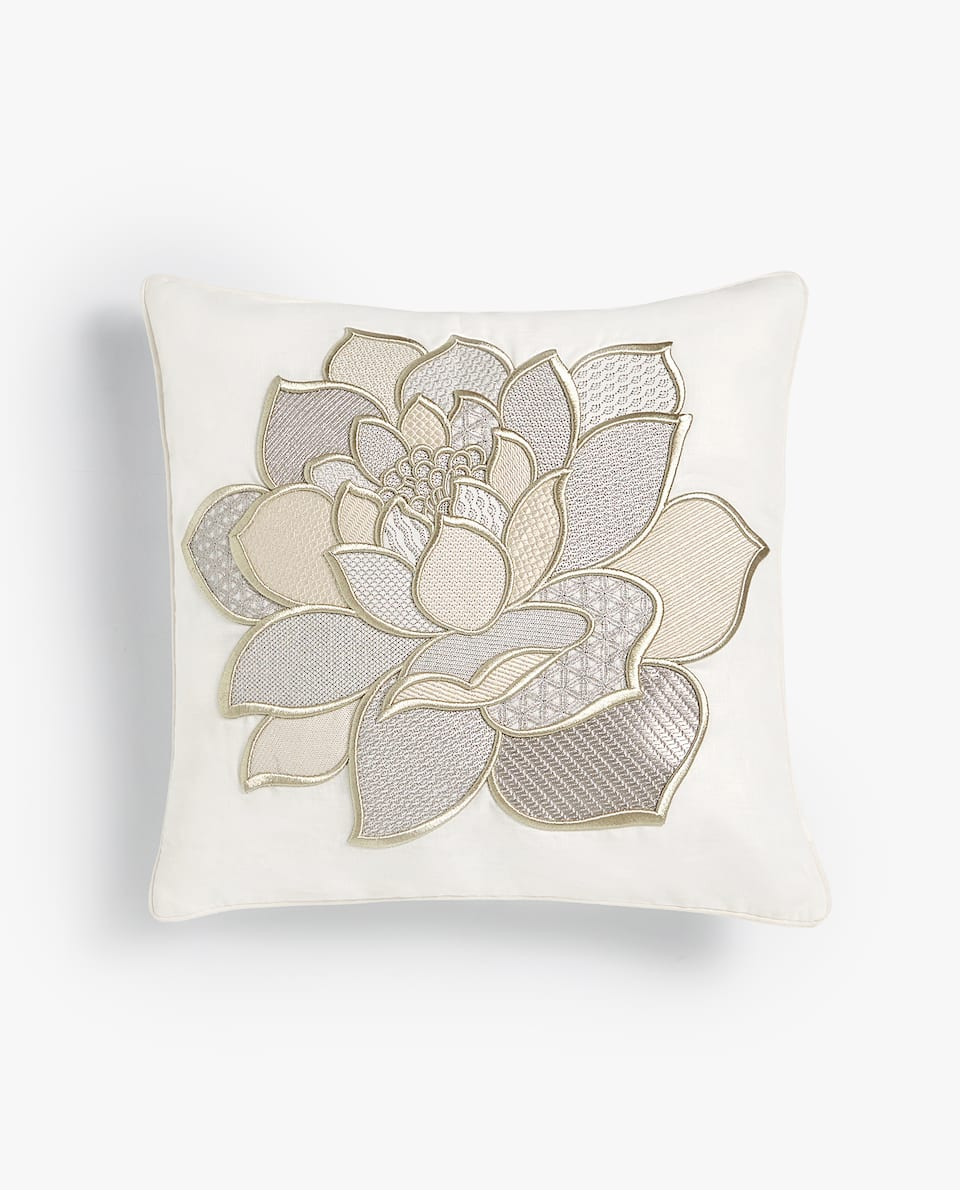 RAISED FLOWER CUSHION COVER