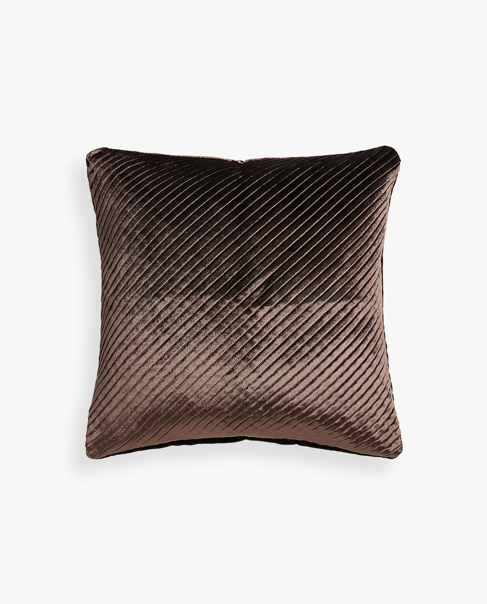 PLEATED CUSHION COVER