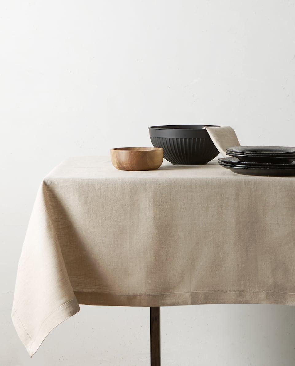Basic linen tablecloth