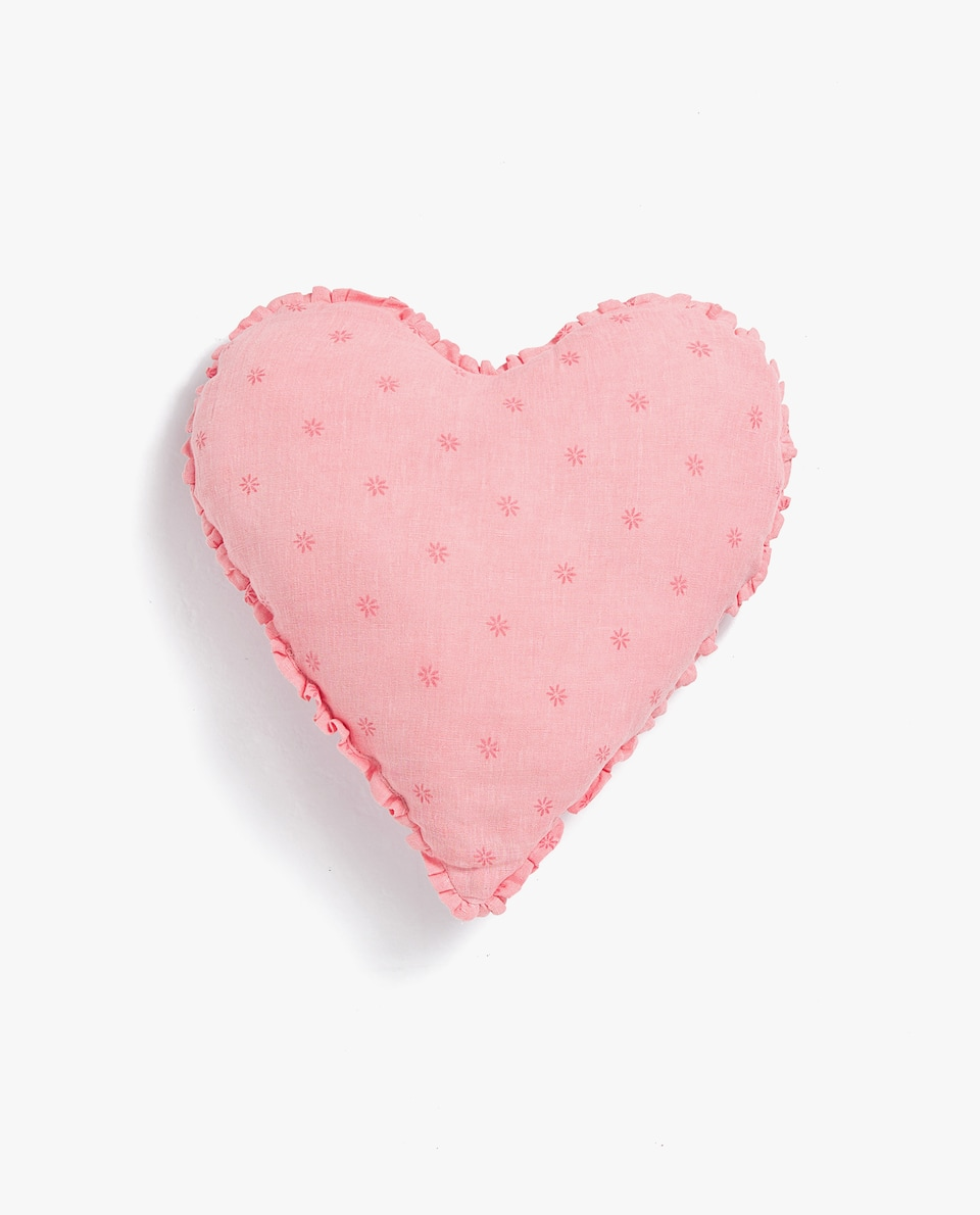 LINEN HEART-SHAPED CUSHION