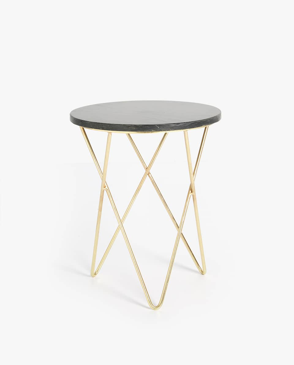 BLACK MARBLE TABLE WITH GOLDEN BASE