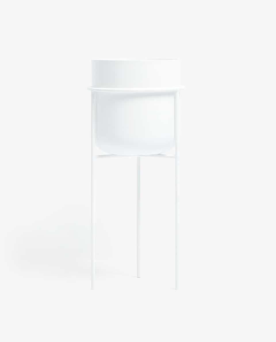 White Pot With Metal Stand – Zara Home