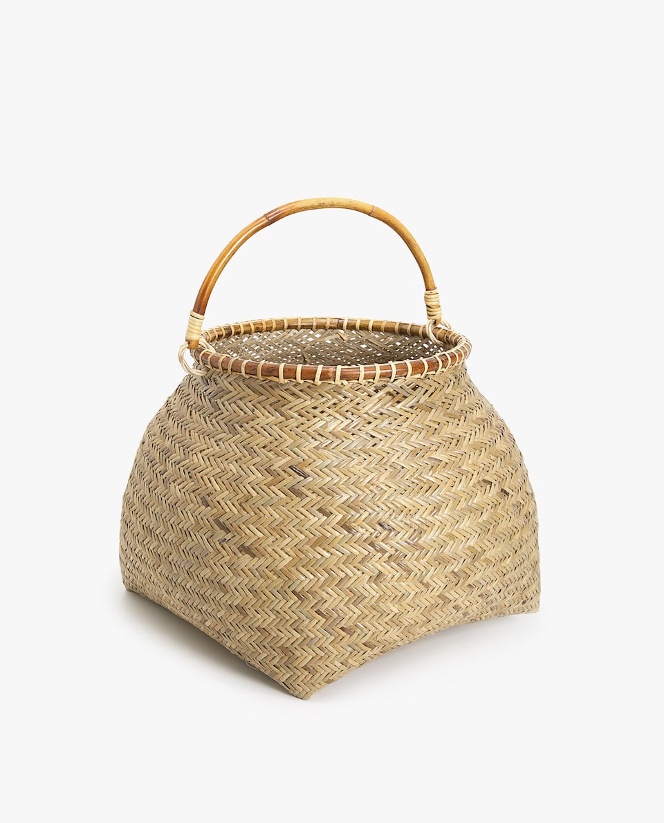 BASKET WITH LARGE HANDLE