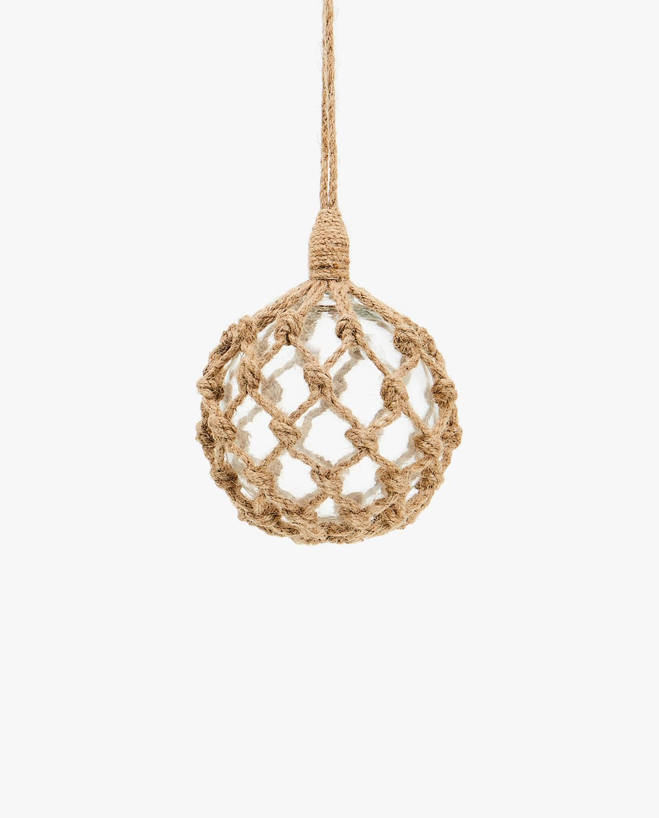 CHRISTMAS BAUBLE WITH JUTE DETAILING