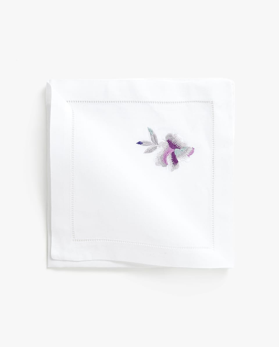 EMBROIDERED FLOWERS NAPKIN (SET OF 4)