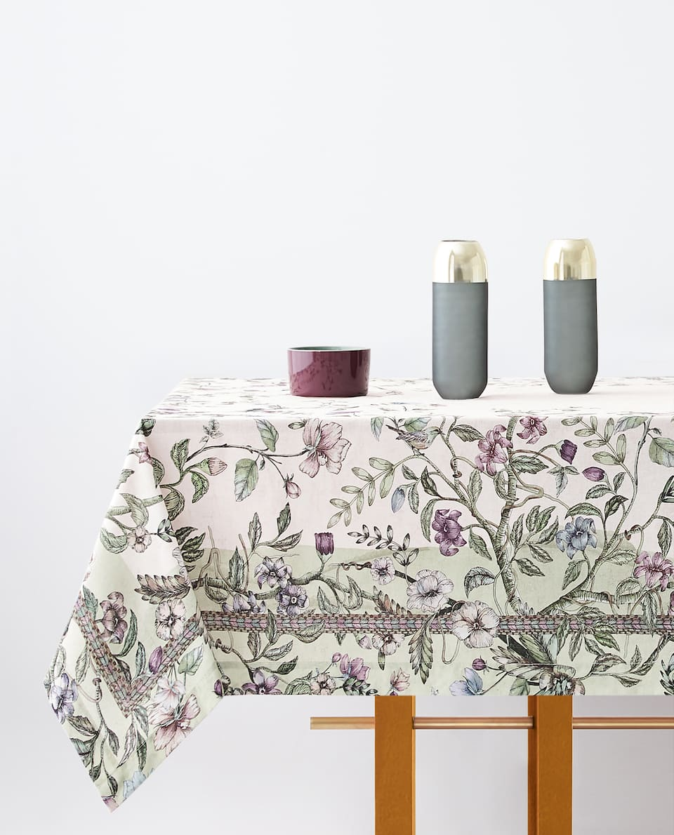BOTANICAL PRINT TABLECLOTH