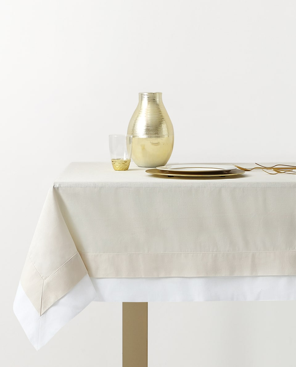 DOUBLE-LAYER TABLECLOTH