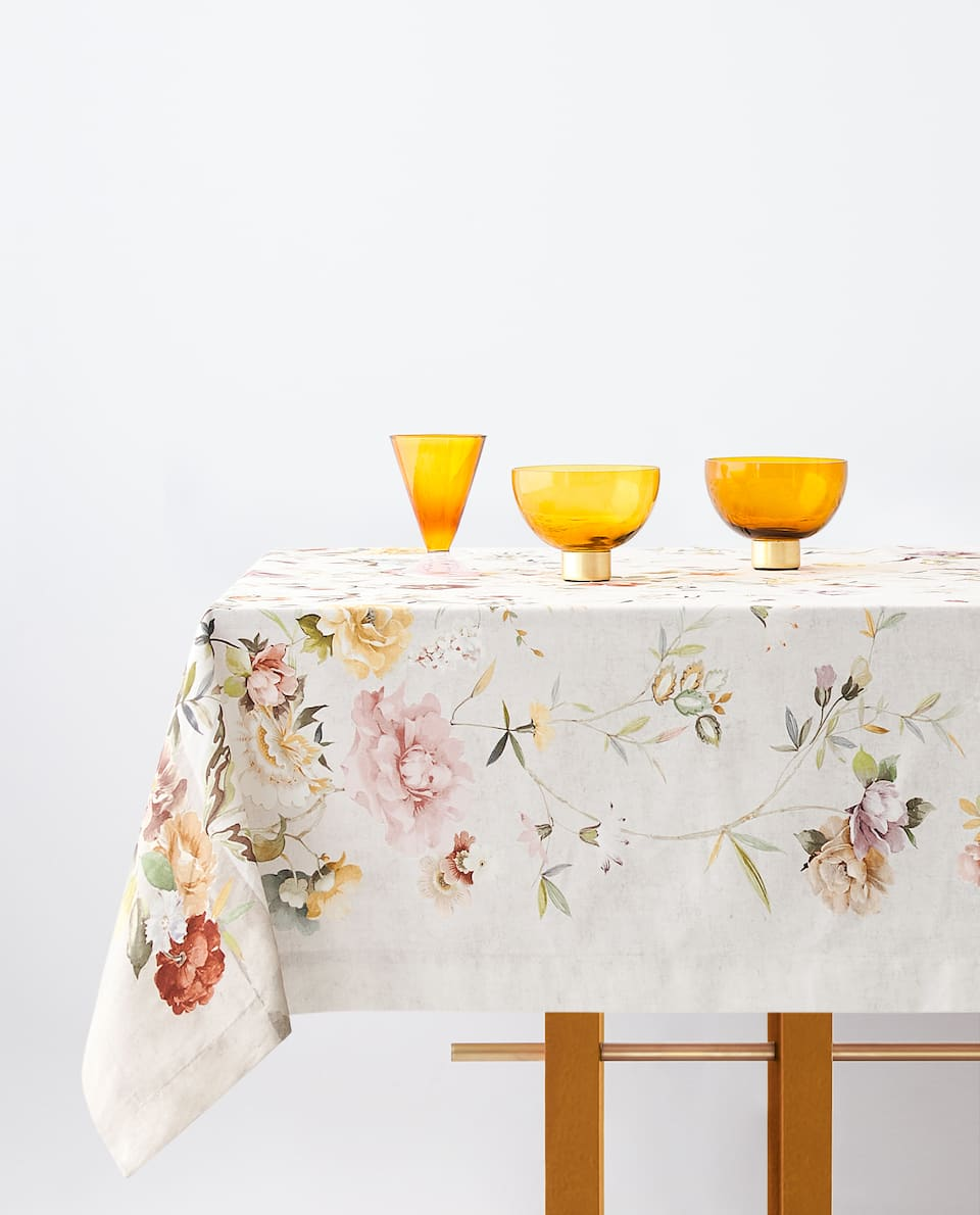 FLOWERS AND BIRDS TABLECLOTH