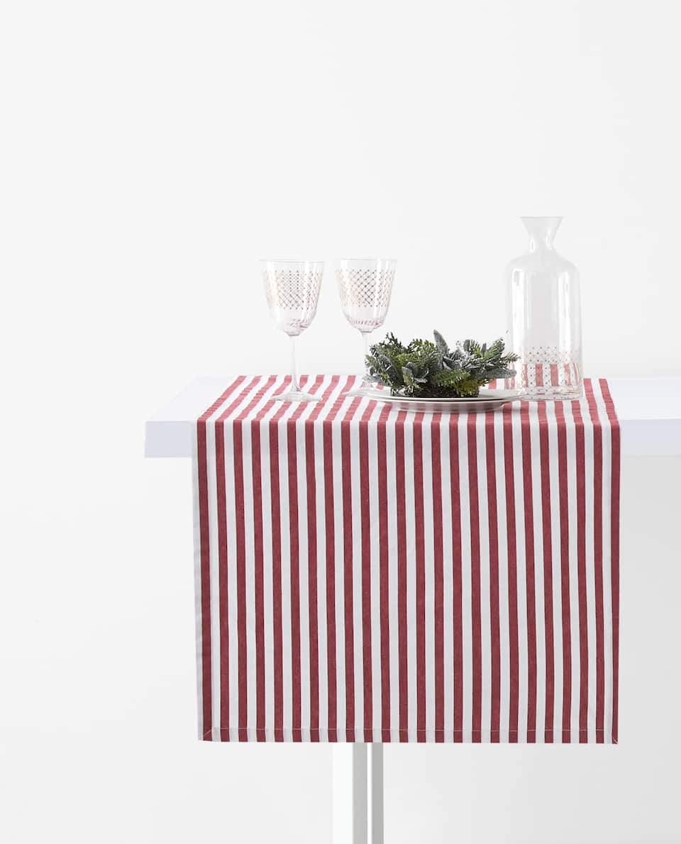 STRIPED TABLE RUNNER