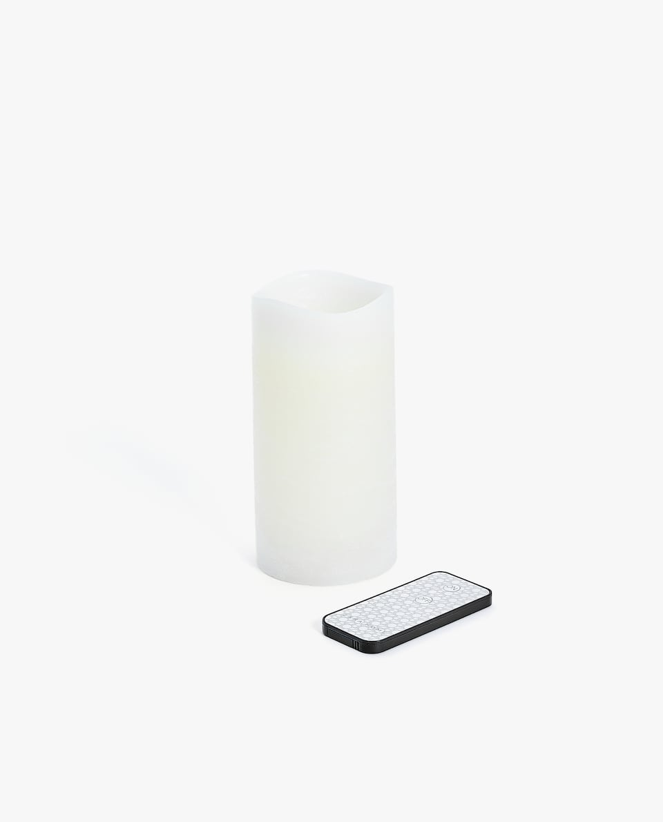 WAX CANDLE WITH ARTIFICIAL FLAME