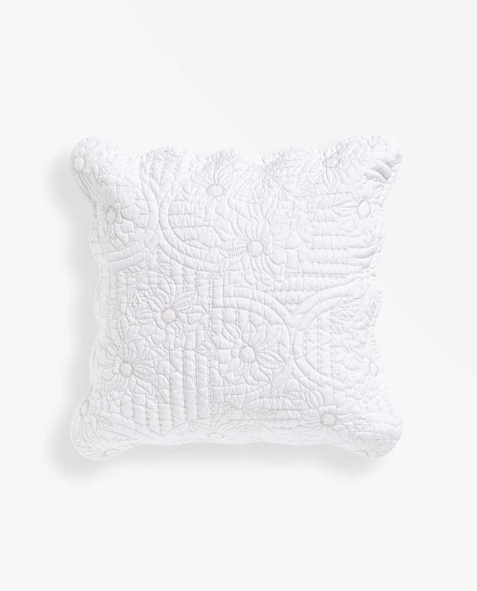 LEAVES CUSHION COVER WITH A WAVY EDGE