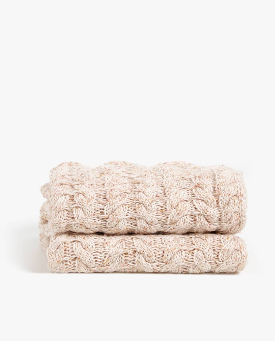 CABLE KNIT COTTON BLANKET