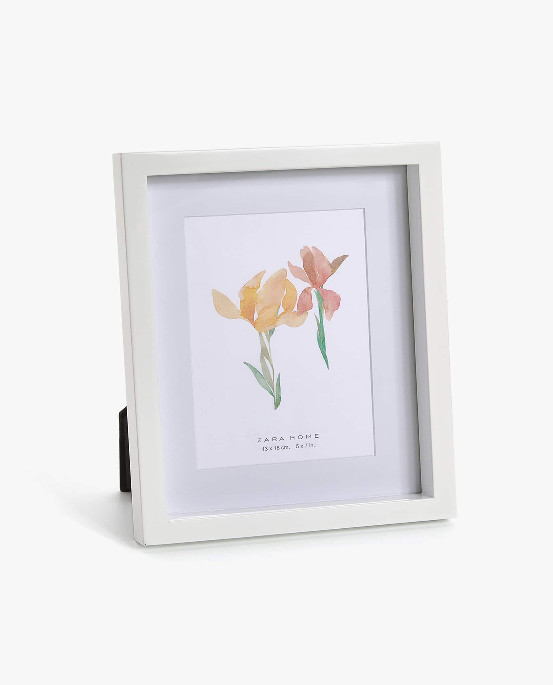 WHITE LACQUERED WOODEN FRAME - PHOTO SIZE 5x7 in. - PHOTO FRAMES ...
