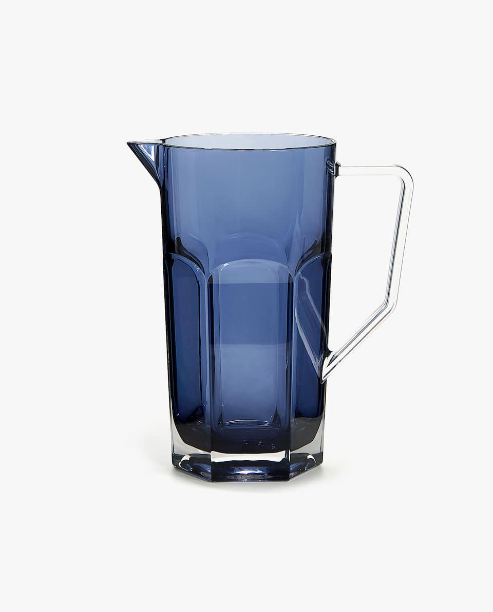 ACRYLIC PITCHER WITH HEXAGONAL BASE