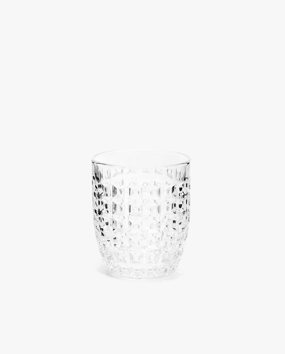 GLASS TUMBLER WITH RAISED SQUARES DESIGN