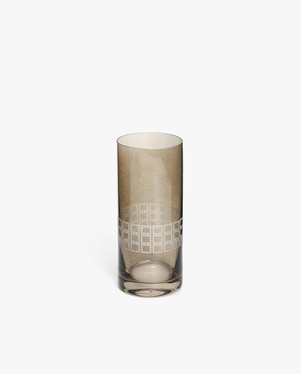 SOFT DRINK TUMBLER WITH SQUARE PATTERN BORDER