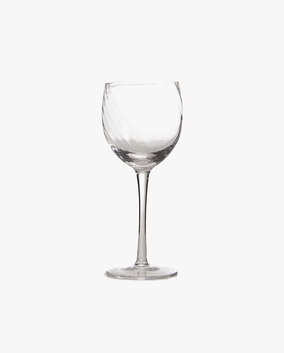 WINE GLASS WITH OPTICAL STRIPE