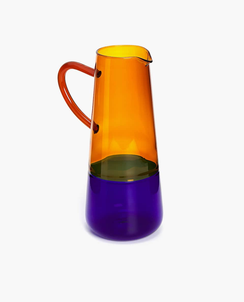 TWO-TONE BOROSILIATE GLASS PITCHER