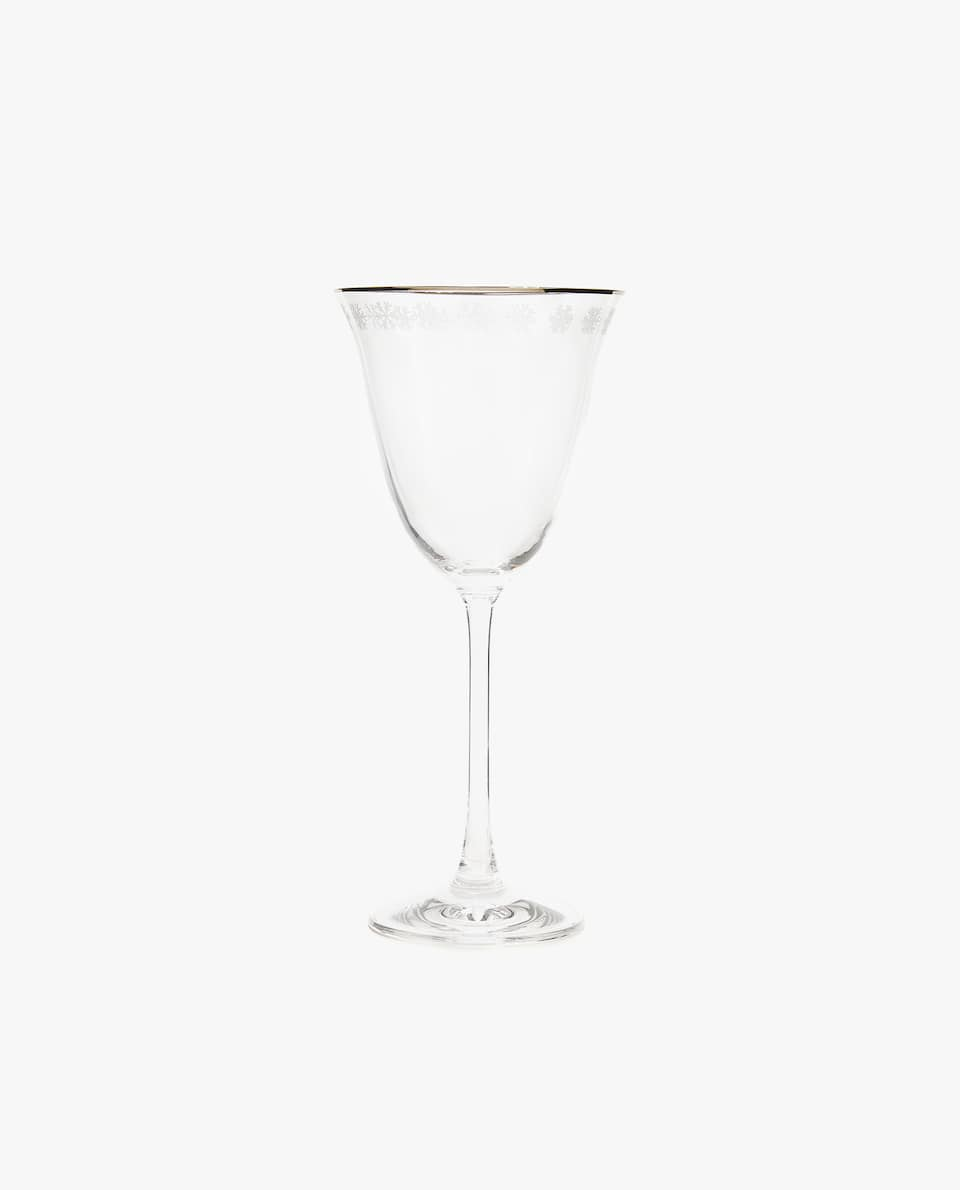 RIMMED WINE GLASS
