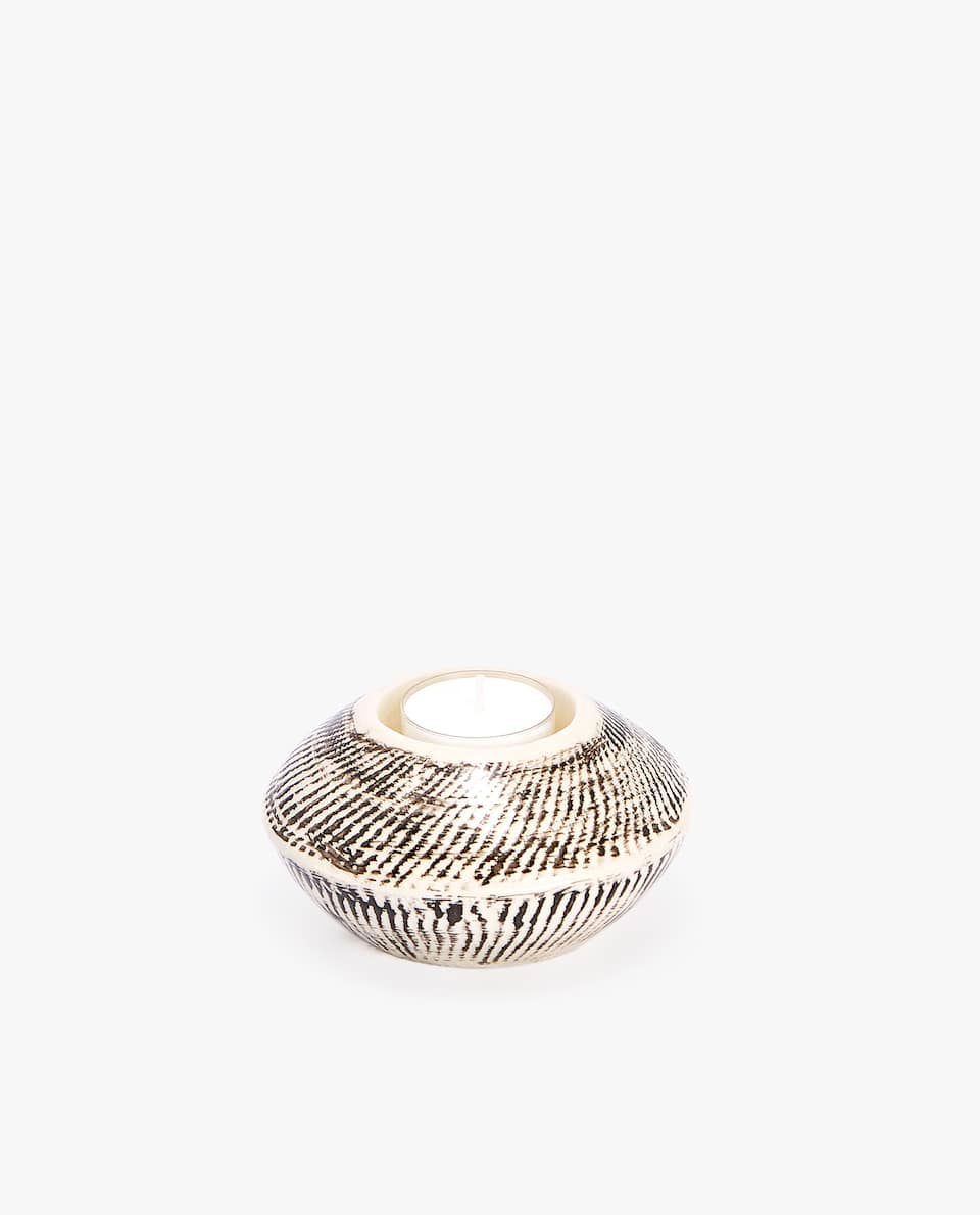 Striped ceramic tealight holder