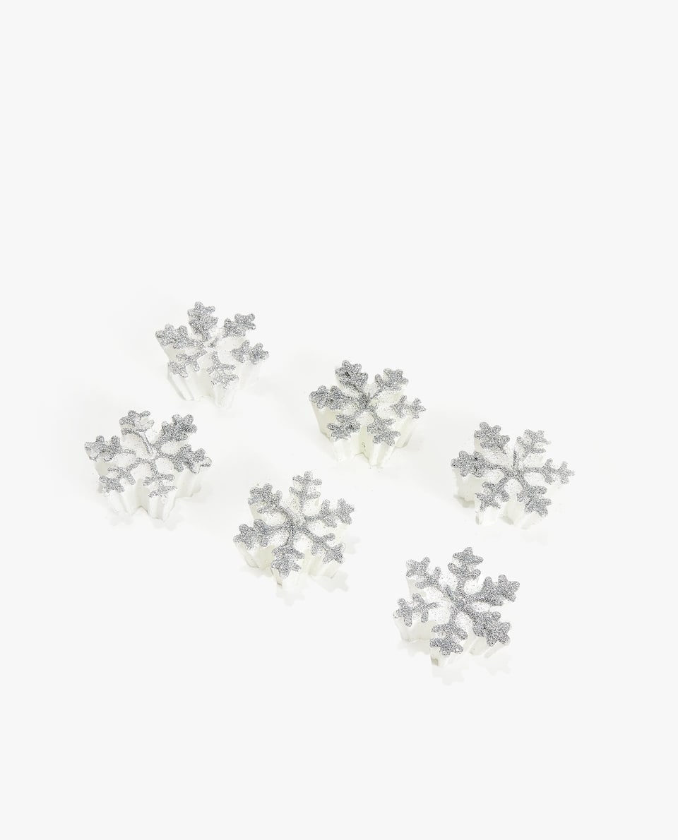 SNOWFLAKE-SHAPED CANDLE (PACK OF 6)