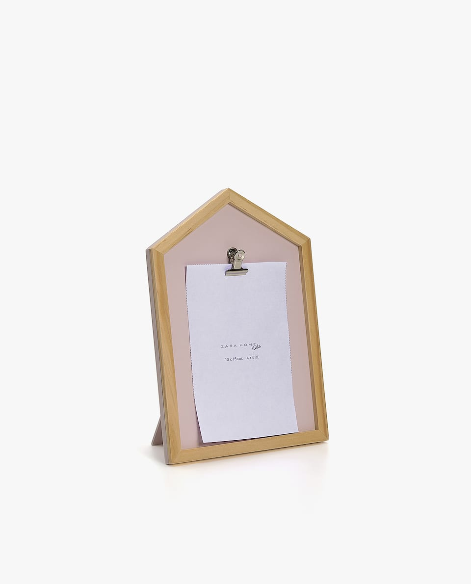 HOUSE-SHAPED FRAME WITH CLIP