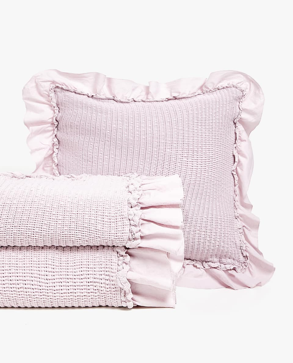 DOUBLE RUFFLE AND LACE TRIM COTTON BEDSPREAD