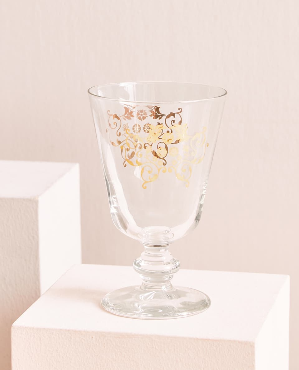 Golden print wine glass
