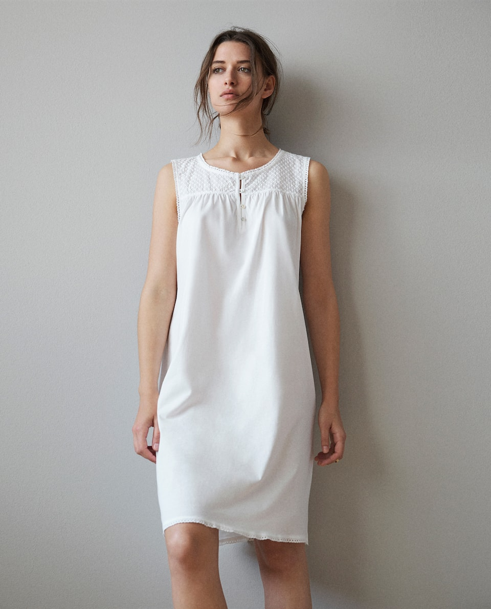 EMBROIDERED COTTON NIGHTDRESS
