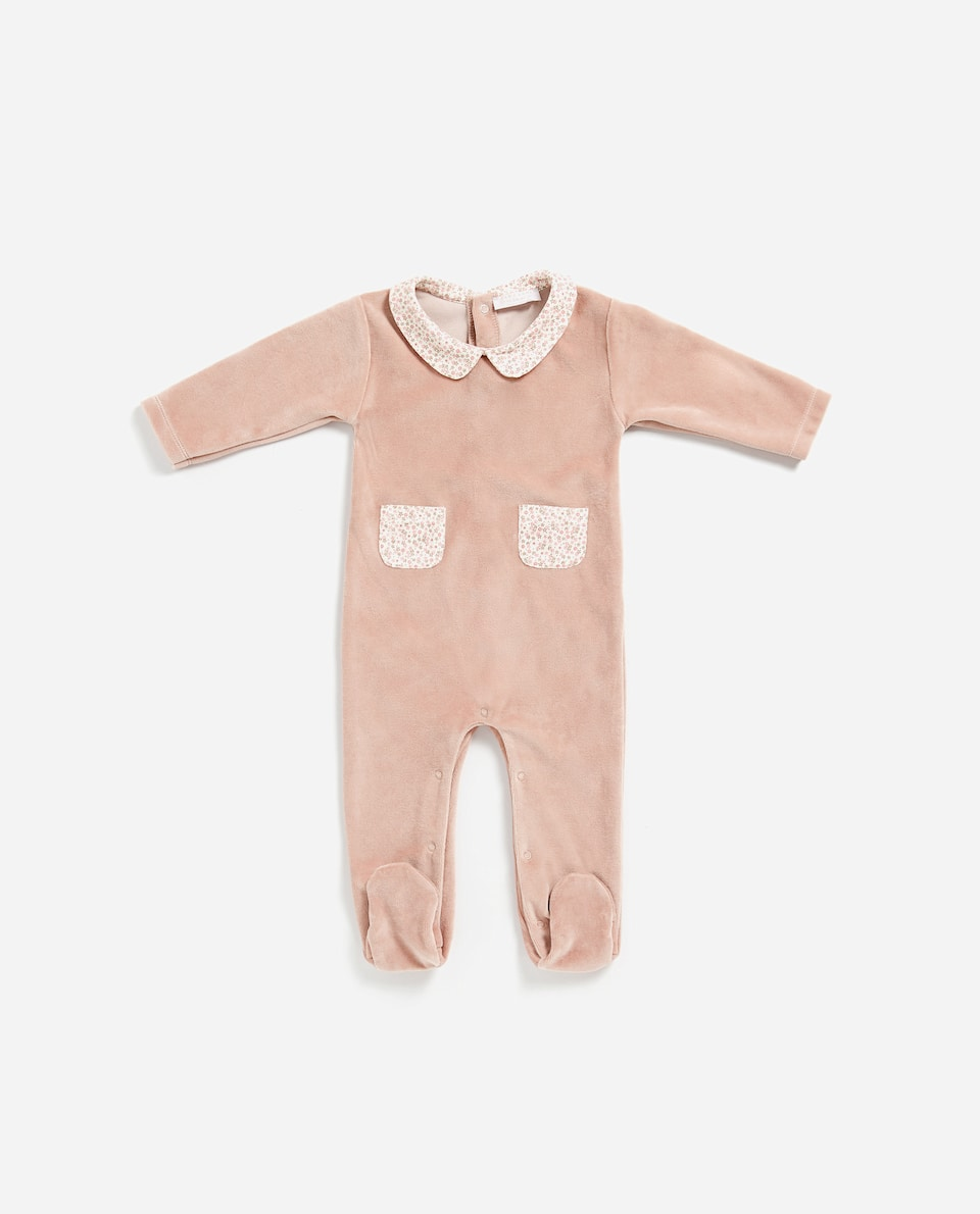VELOUR ROMPER WITH CONTRASTING COLLAR