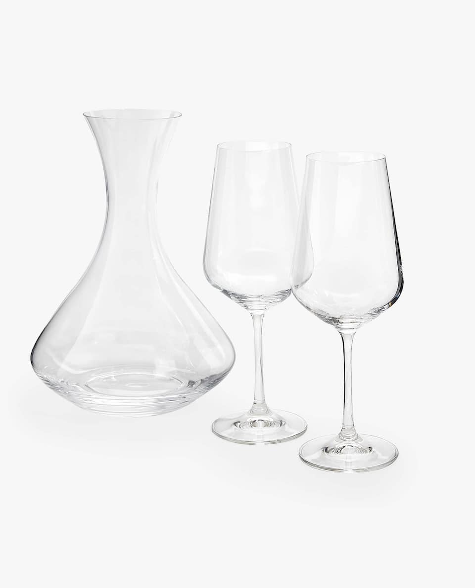 PACK OF TWO CRYSTALLINE WINE GLASSES AND DECANTER
