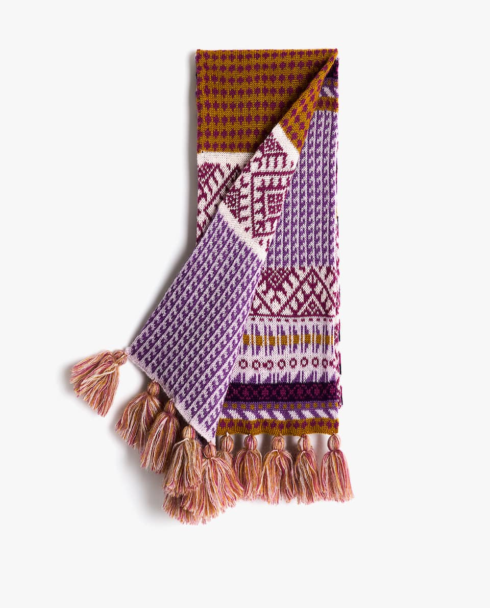 WOOL AND CROCHET SCARF