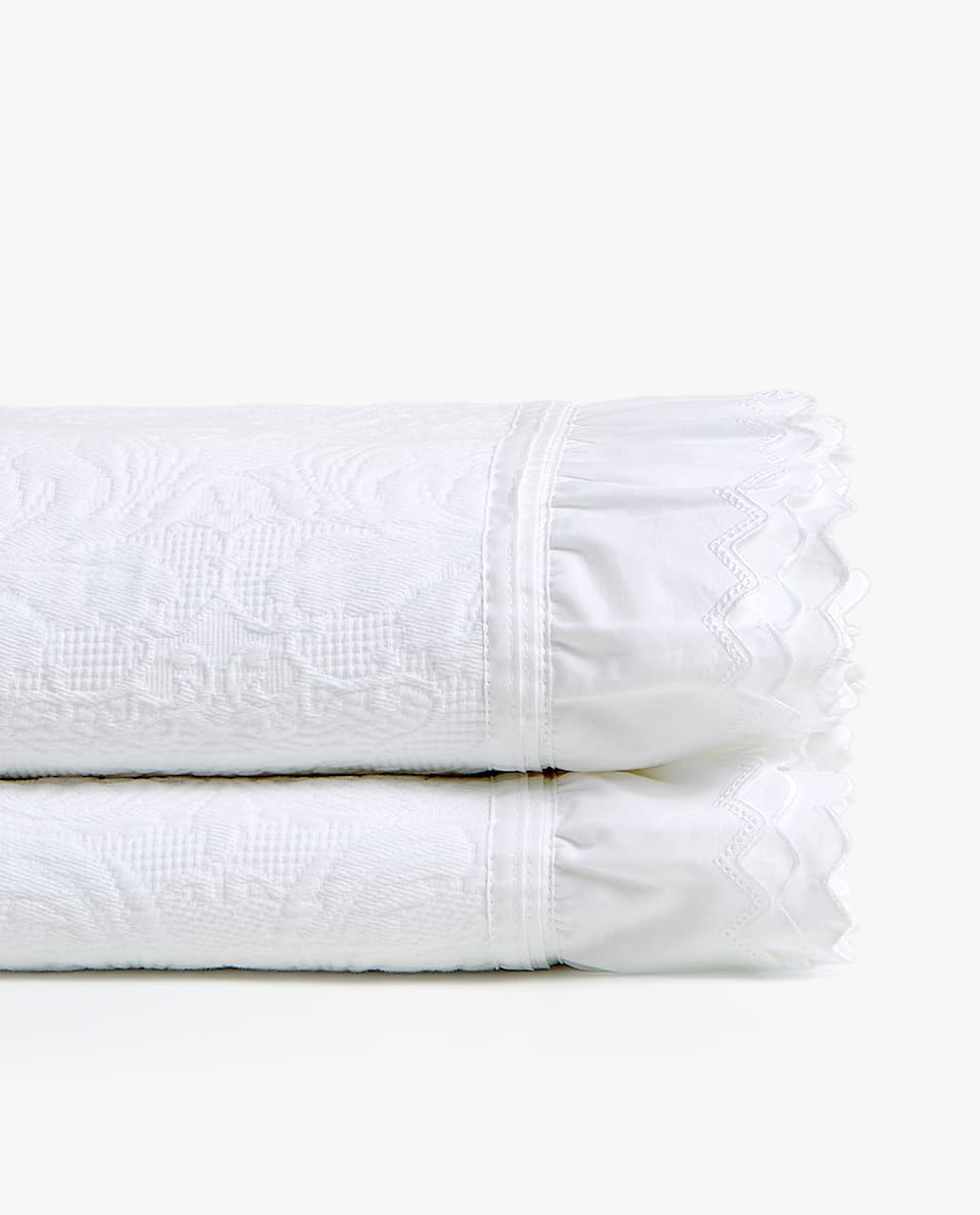 COTTON BEDSPREAD WITH DOUBLE RUFFLE TRIM