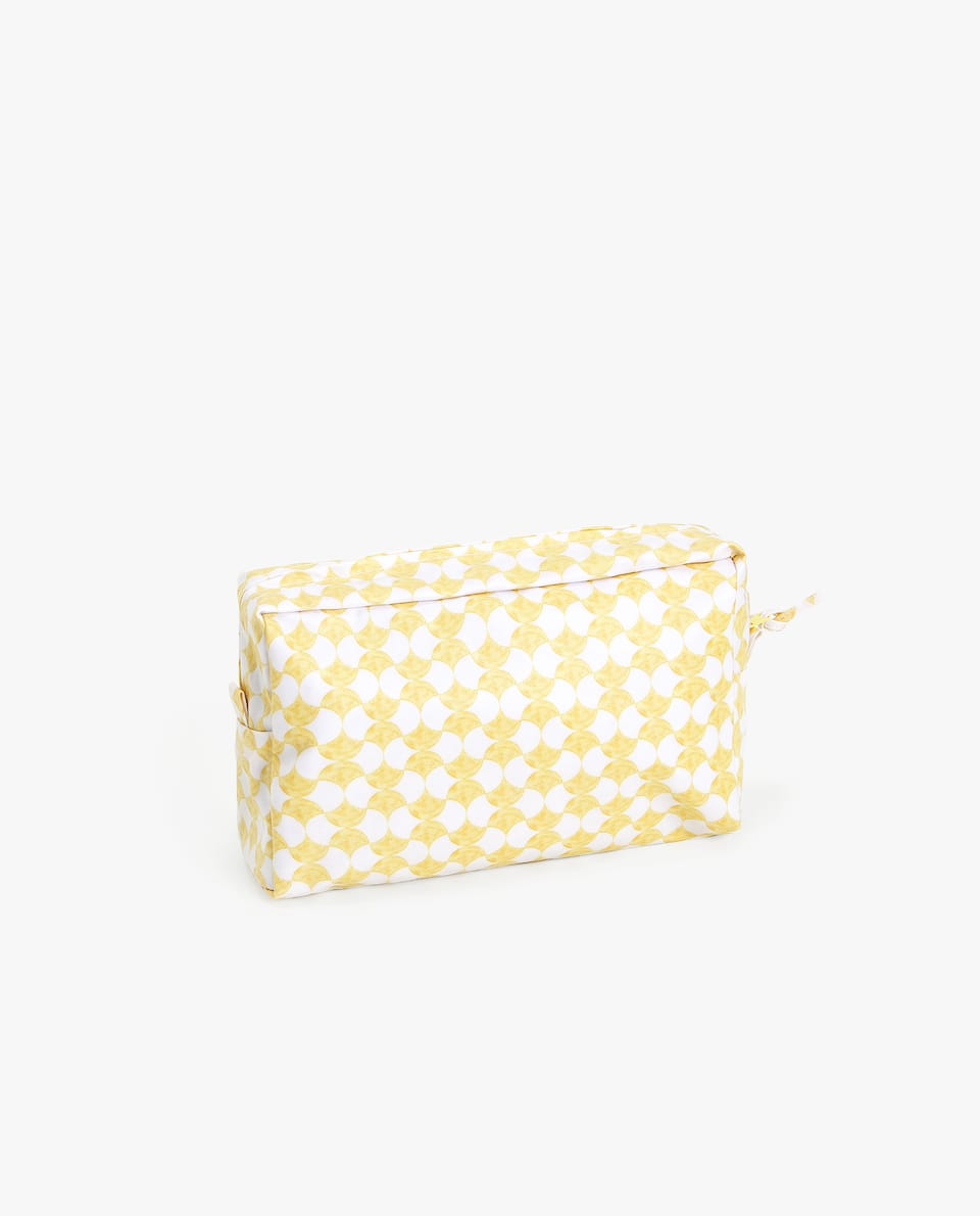 WATERPROOF GEOMETRIC PRINT TOILETRY BAG