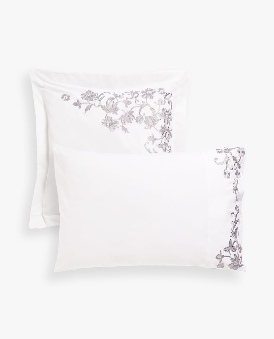 POSITIONAL FLORAL EMBROIDERY PILLOWCASE