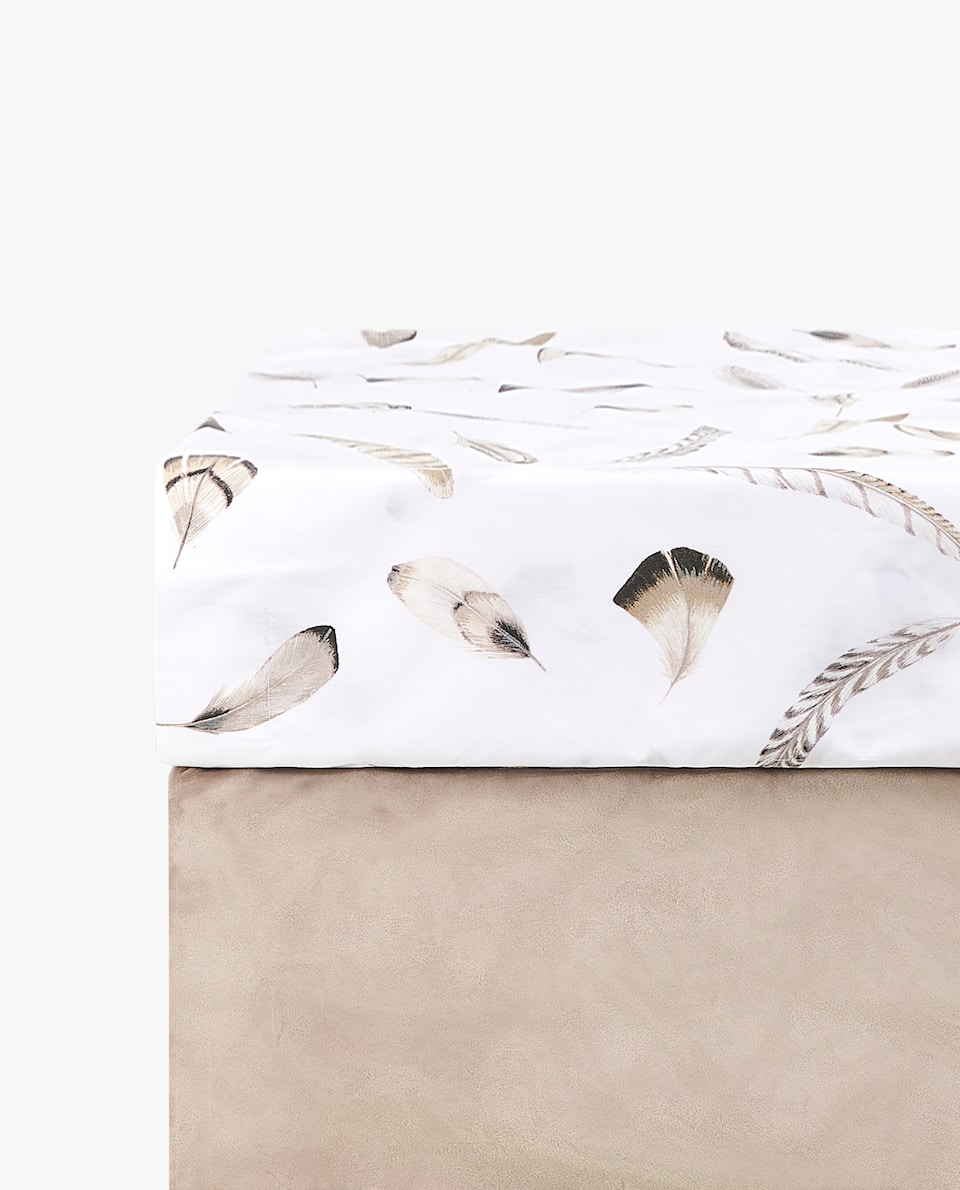 FEATHER PRINT FITTED SHEET