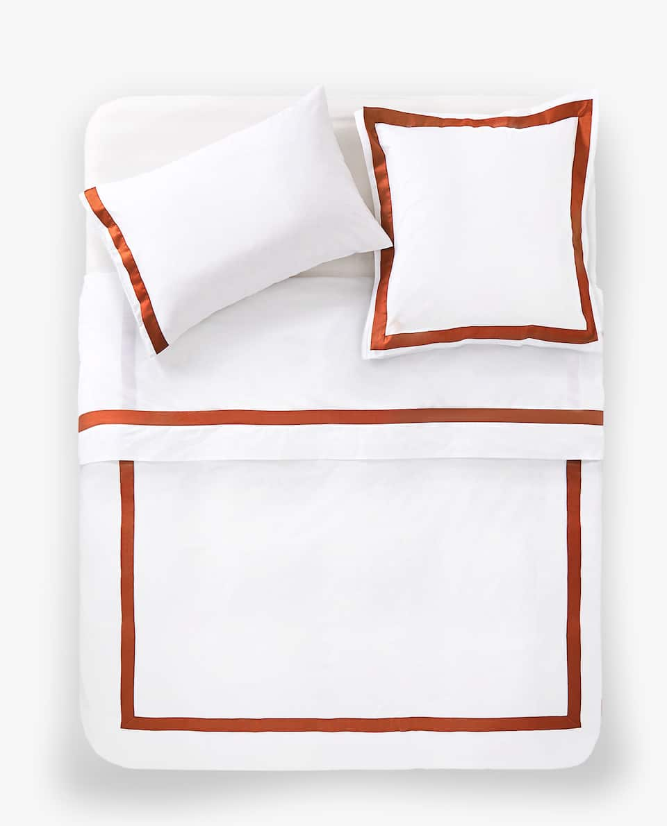 DUVET COVER WITH CONTRASTING SATEEN BAND
