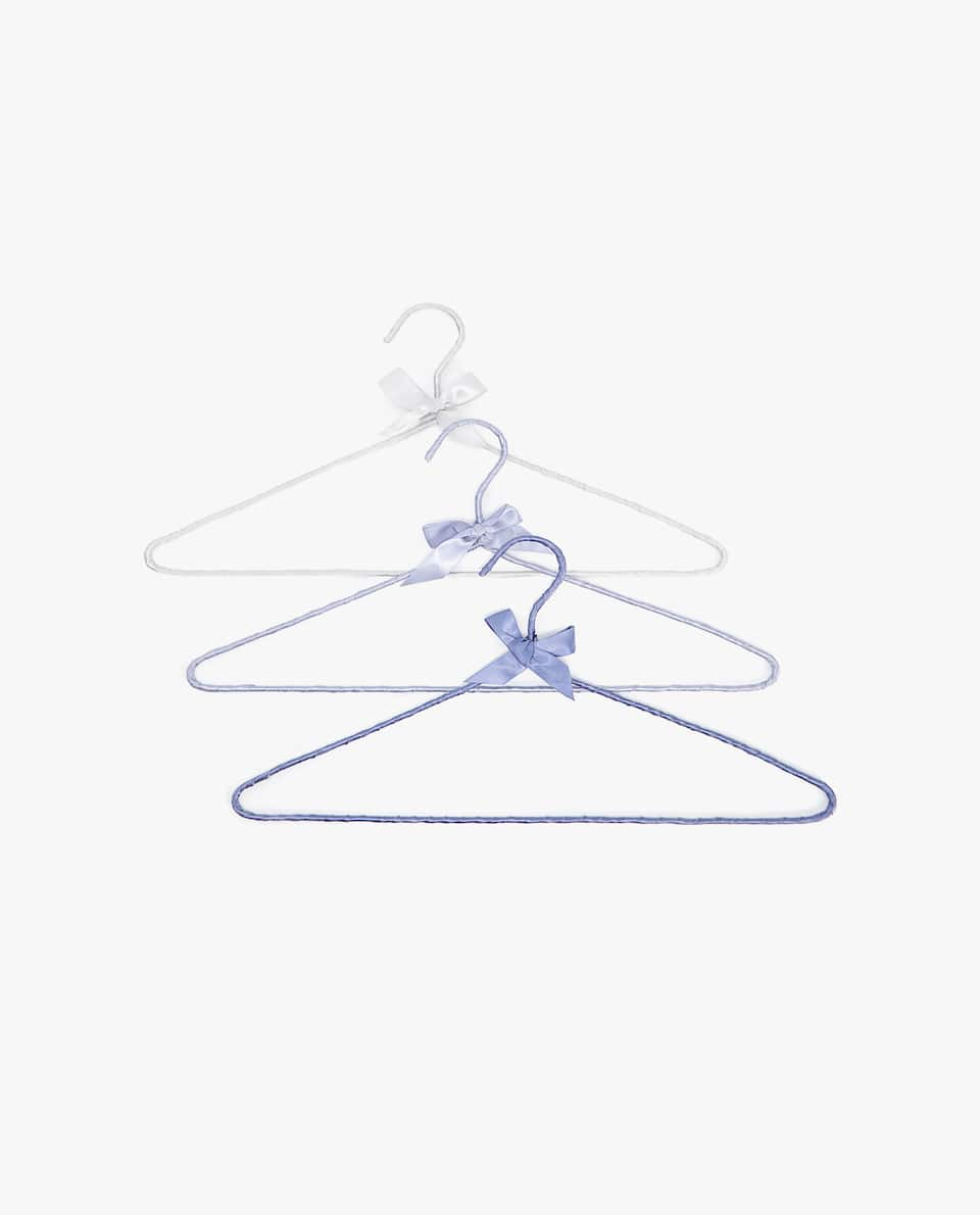 PLEATED FABRIC HANGER (SET OF 3)