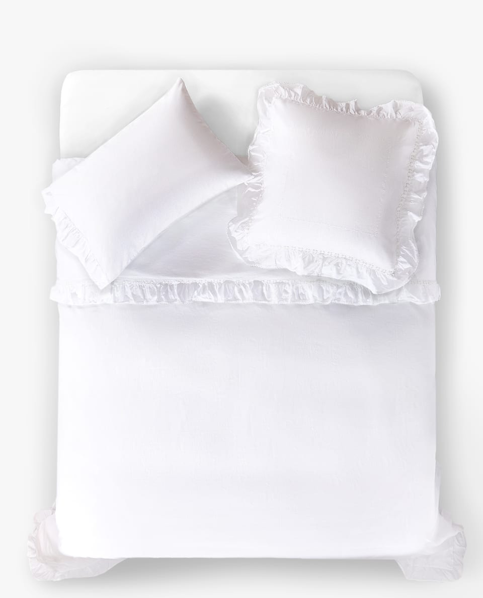 DUVET COVER WITH RUFFLE AND CROCHET DETAIL