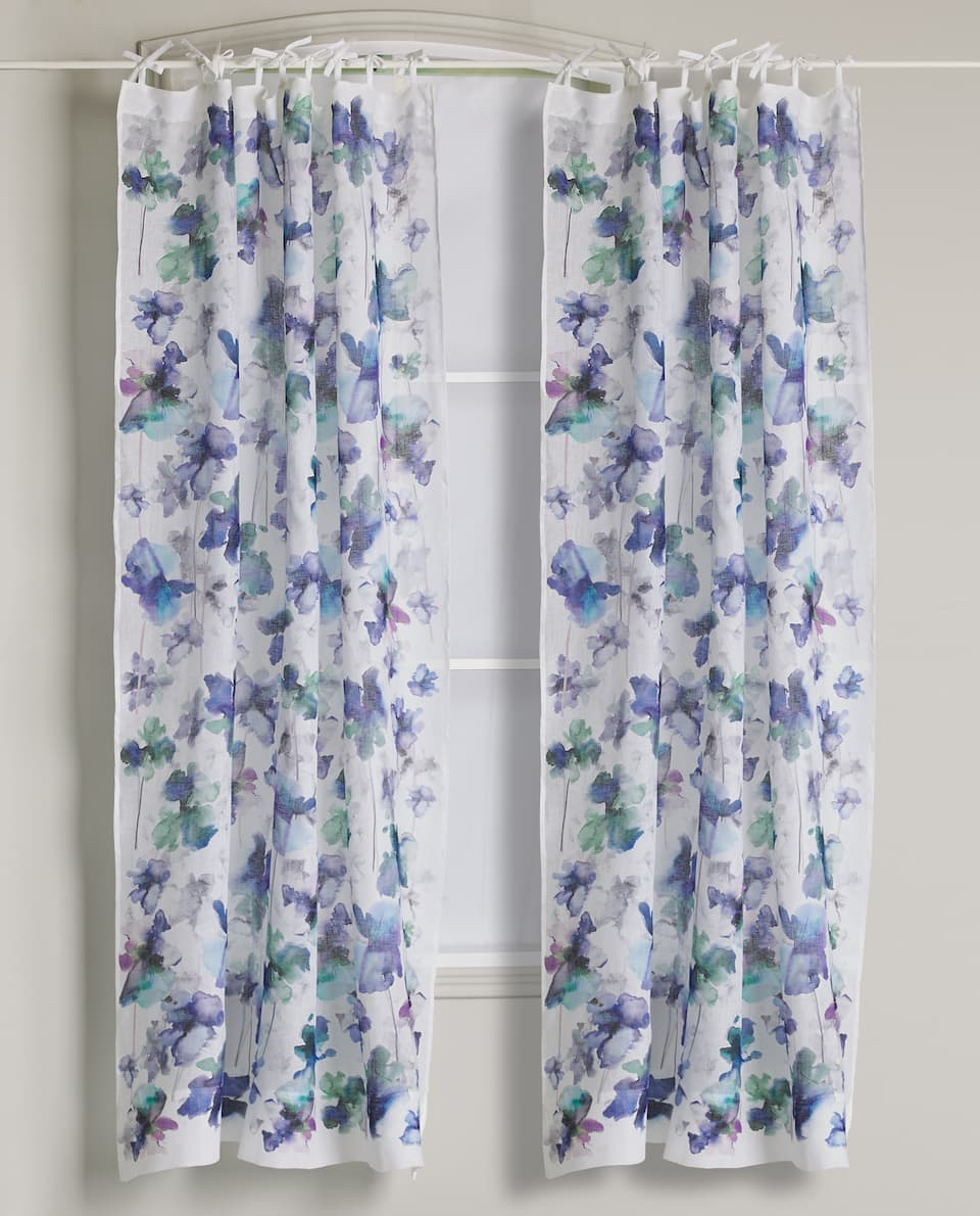 WATERCOLOR FLOWER CURTAIN