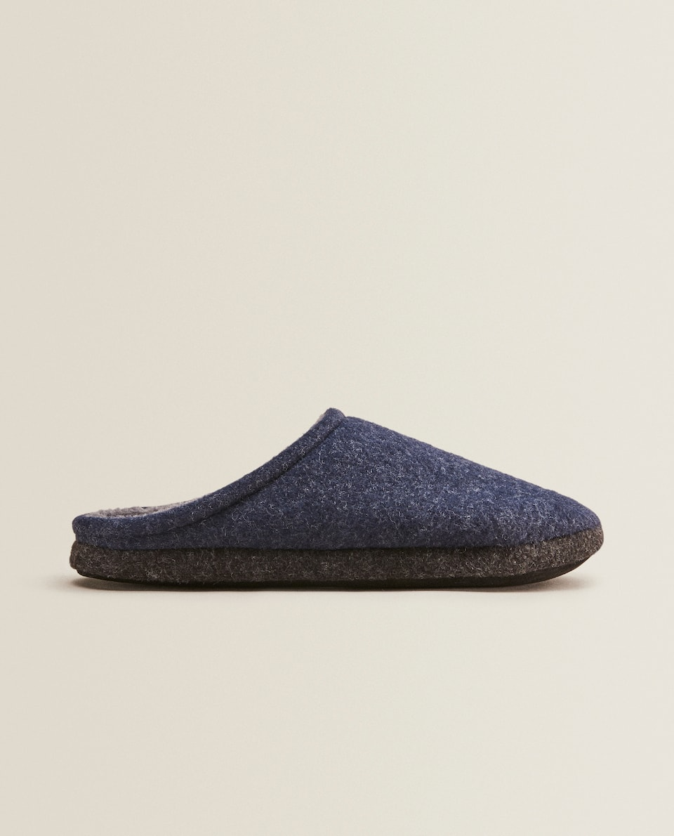 WARM FELT SLIPPERS