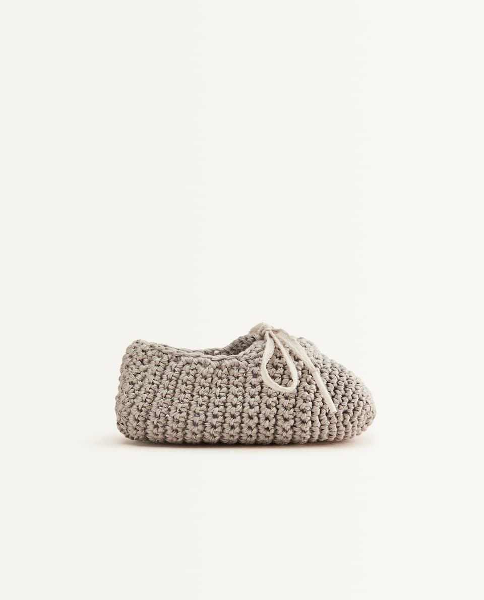GREY CROCHET BABY BOOTIES