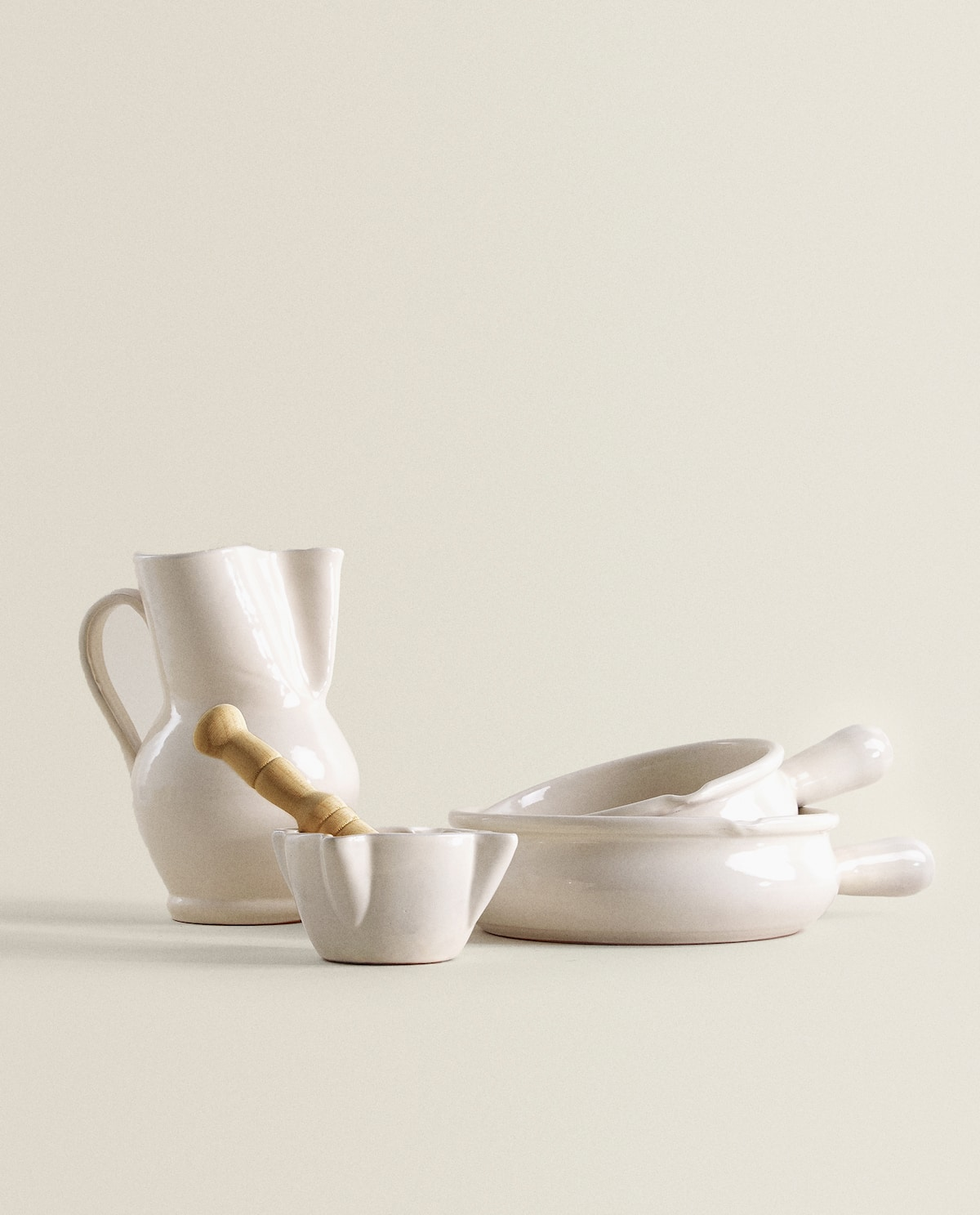 jug,-casserole-dish-and-pestle-and-mortar-set by zara-home