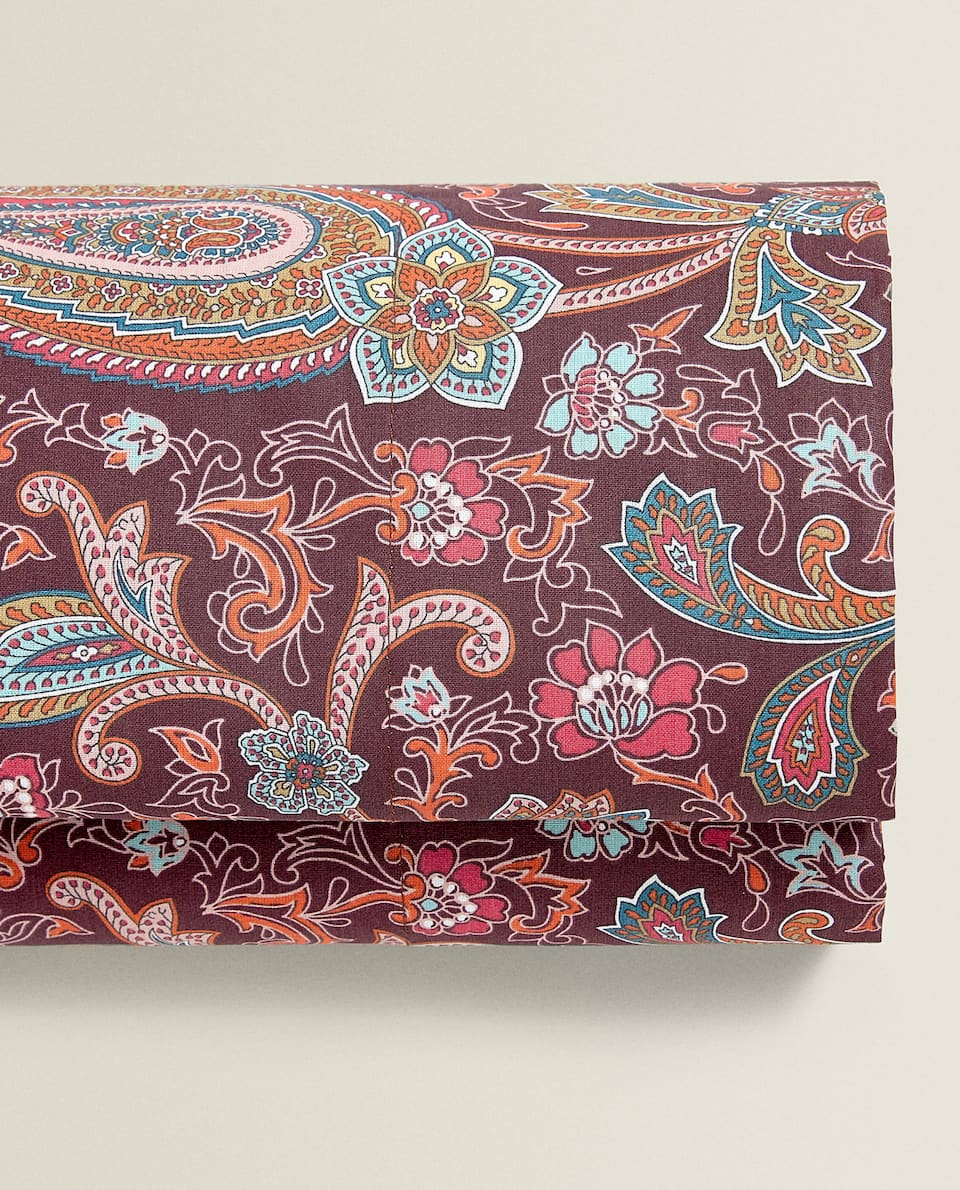 BURGUNDY PAISLEY FLAT SHEET
