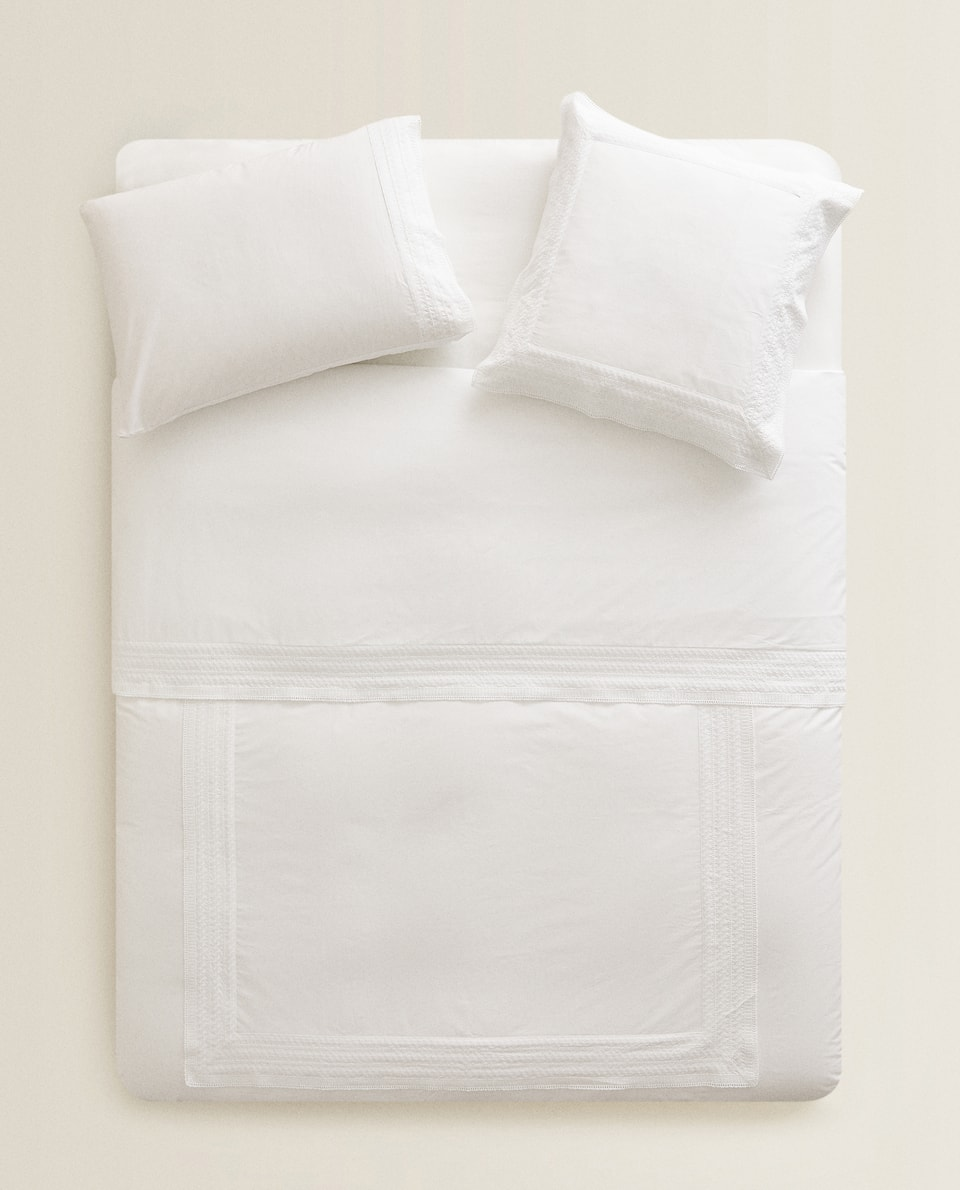 GEOMETRIC EMBROIDERED DUVET COVER